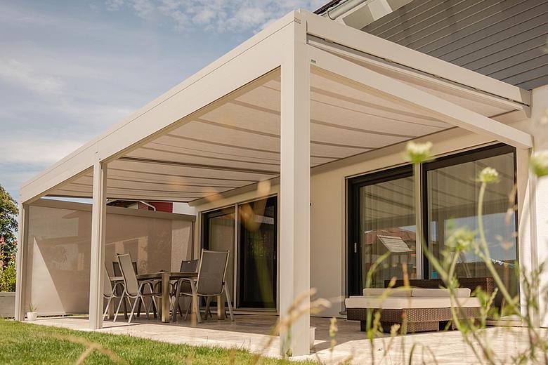 ARNEX PS2500 Unterglasmarkise und Wintergartenbeschattung als wirkungsvoller Sonnenschutz für Glasdächer