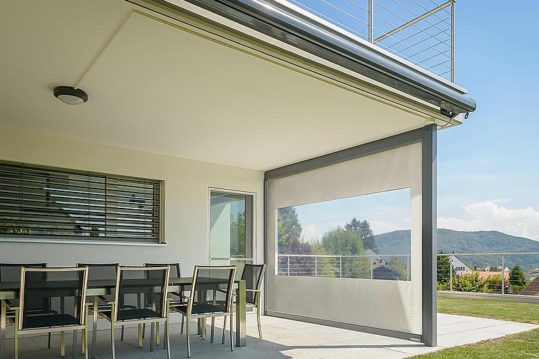 Ventosol-Cristal VC5300 Senkrechtmarkise mit durchsichtiger PVC-Folie für eine freie Sicht nach draußen
