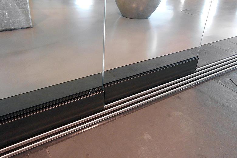 Ganzglas-Schiebeelemente GS1000 vielseitig kombinierbares, modulares System zur Rundum-Verglasung