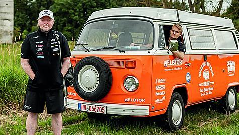 "KLAIBER Markenbotschafter Joey Kelly zu Fuß entlang des ""Grünen Bands"""